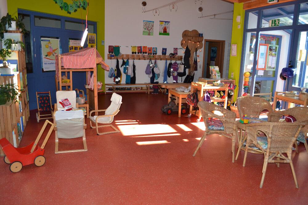 raeumlichkeiten-kindergarten-gersfeld-flur