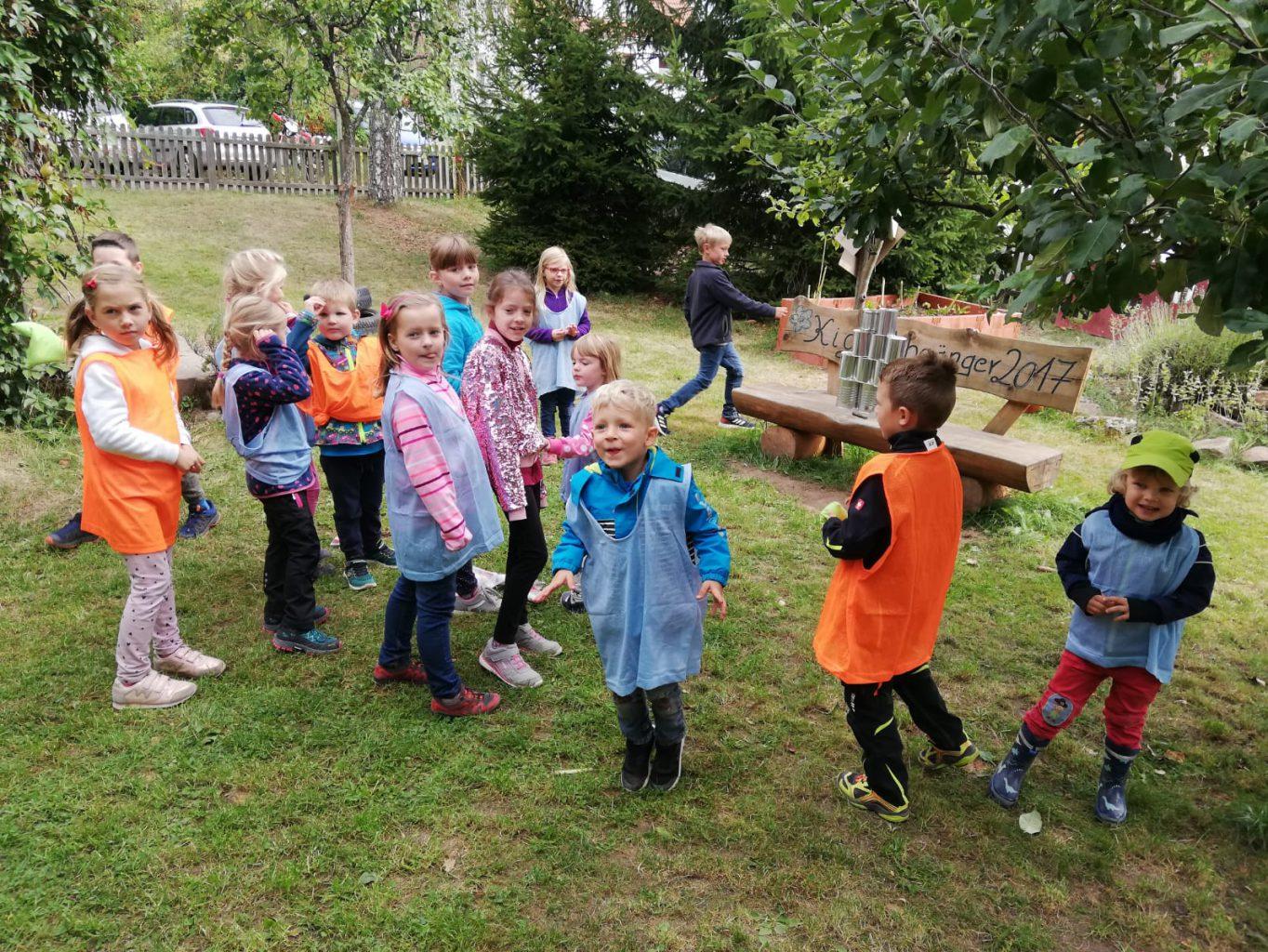 Dosenwerfen im Kindergarten Gersfeld